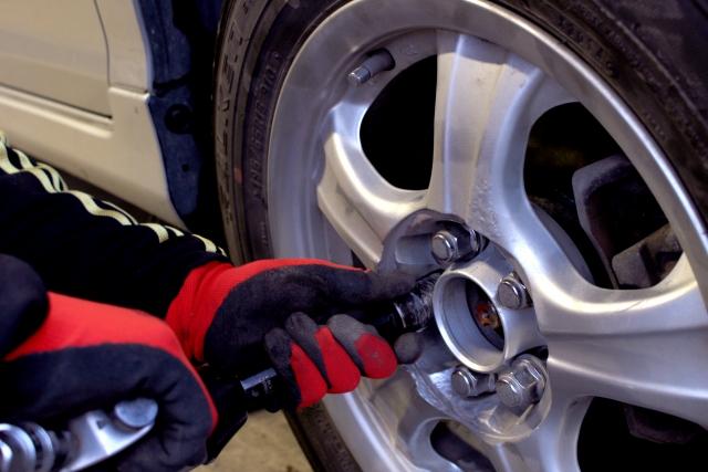 タイヤ交換作業