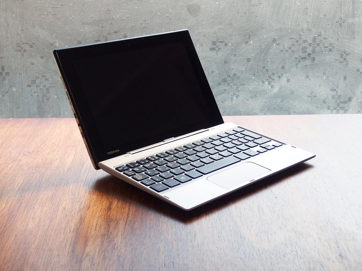 dynabookタブレットs29の斜め画像